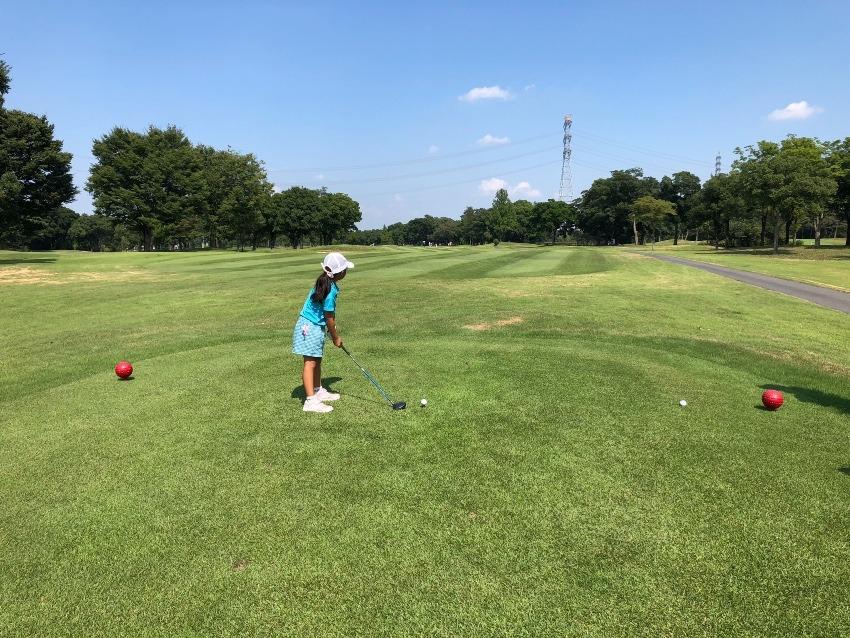 深谷から最も近い場所で行われるジュニアのゴルフ競技